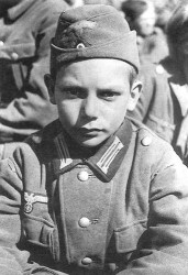 german children WWII 3.jpg